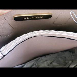 70bf5e1d76c6 Michael Kors Bags - Michael Kors Medium Adele Mercer Messenger Bag